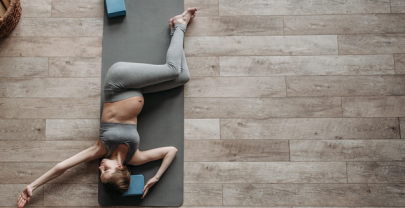 The Best Yoga Poses to Combat Jet-Lag