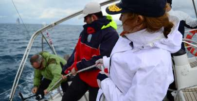 What are the benefits of sailing gloves?